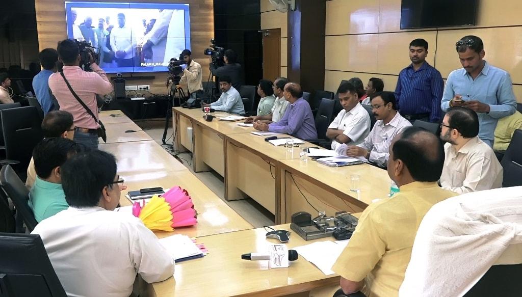 <p>मुख्यमंत्री ने आज पलामू जिले की मलय जलाशय योजना एवं गढ़वा जिले की अन्नराज जलाशय योजना की सिंचाई क्षमता को पुनर्बहाल करने एवं नहर प्रणाली का पुनरूद्धार एवं लाईनिंग कार्य का ऑनलाईन…