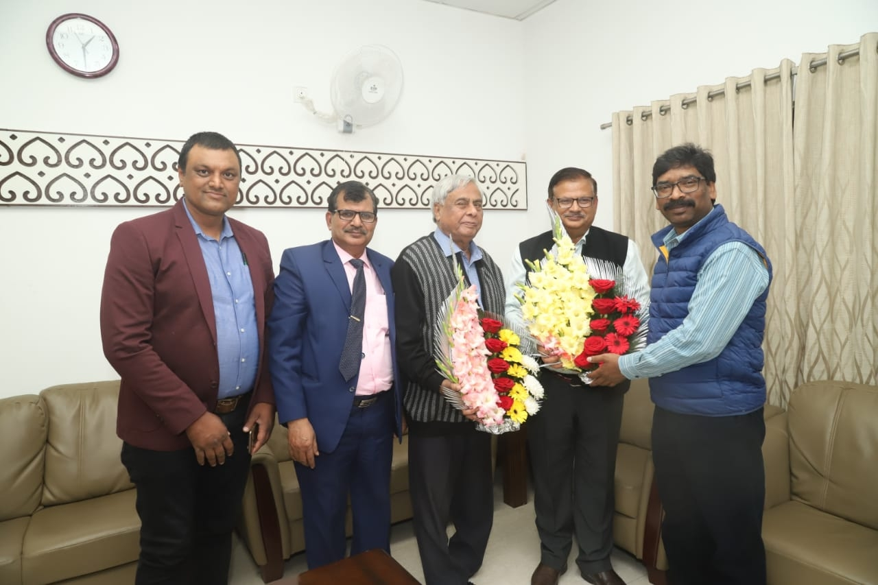 <p>IETE and BSNL Chairman KK Thakur, IETE Chairman and former Vice-Chancellor Ranchi University Ranchi, AA Khan, IETE Governing Council Member, New Delhi, Ajay Kumar met with Chief…