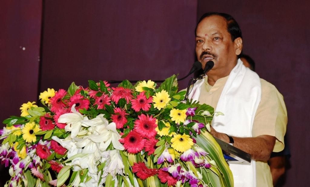 <p>मुख्यमंत्री रघुवर दास ने उत्तर प्रदेश एवं उत्तराखण्ड के पूर्व मुख्यमंत्री नारायण दत्त तिवारी के निधन पर दुख प्रकट करते हुए अपनी श्रद्धांजलि दी |</p>