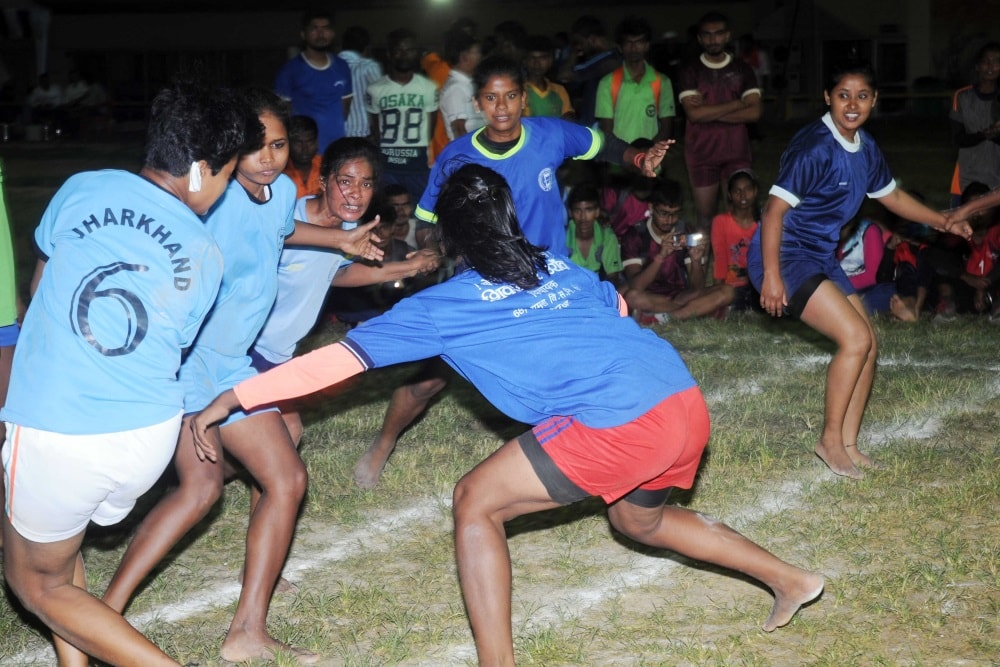 <p>Players in action during their final match during 'Khelo Bharat' event at Morhabadi ground in Ranchi on Saturday.</p>