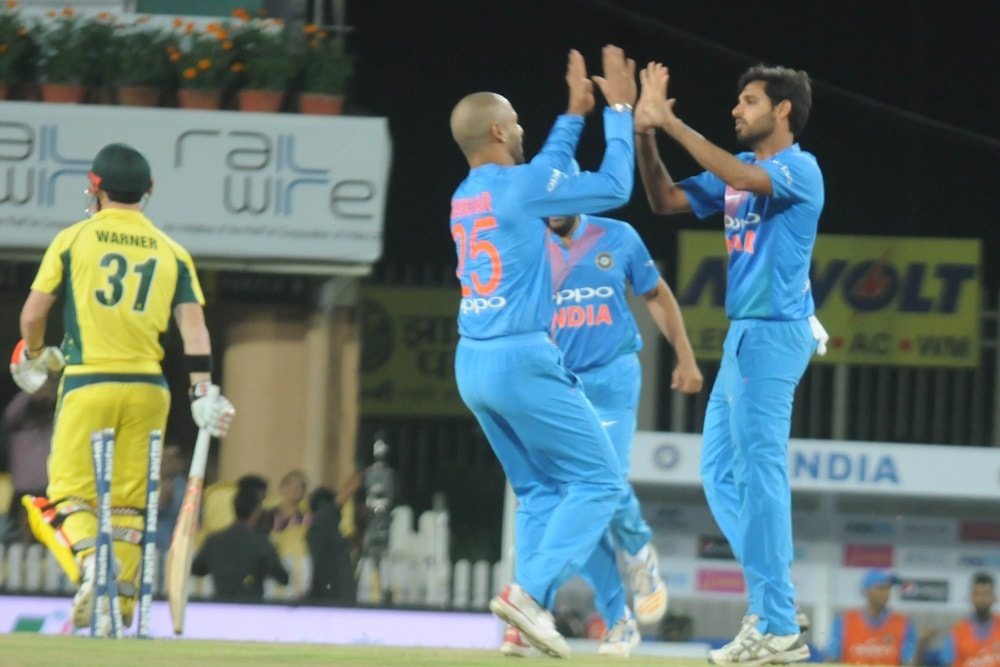 <p>Indian players celebrate after taking the wicket of Australian bastman D Warners during T20 match at JSCA stadium in Ranchi on Saturday.</p>