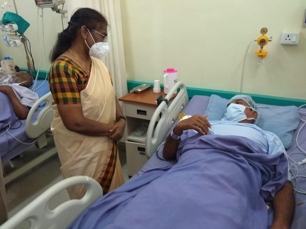 <p>माननीया राज्यपाल श्रीमती द्रौपदी मुर्मू आज लोहरदगा में नक्सली हमले में घायल जवानों को देखने हेतु मेडिका अस्पताल गई और वहाँ उनके स्वास्थ्य की जानकारी ली। उन्होंने कहा है कि उन्हें…