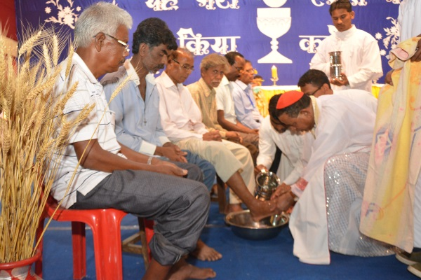 <p>Cardinal Telesphor P Toppo washed foot of priests on the eve of the Good Friday in Ranchi as Christians across Jharkhand celebrate Good Friday.</p>