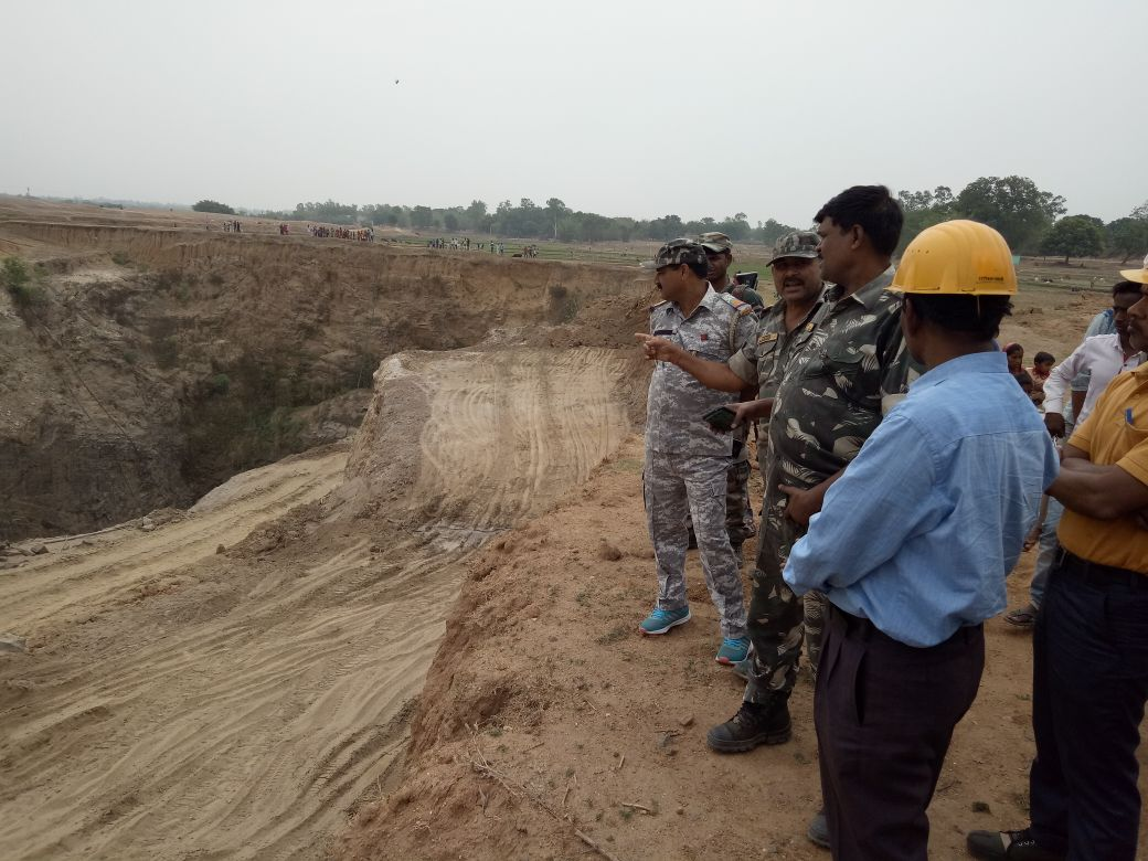 <p>National Disaster Response Force (NDRF) rescue operation team at the site of a stone mine collapse near Korgali under Rajdhanwar police station of Giridih district in Jharkhand…