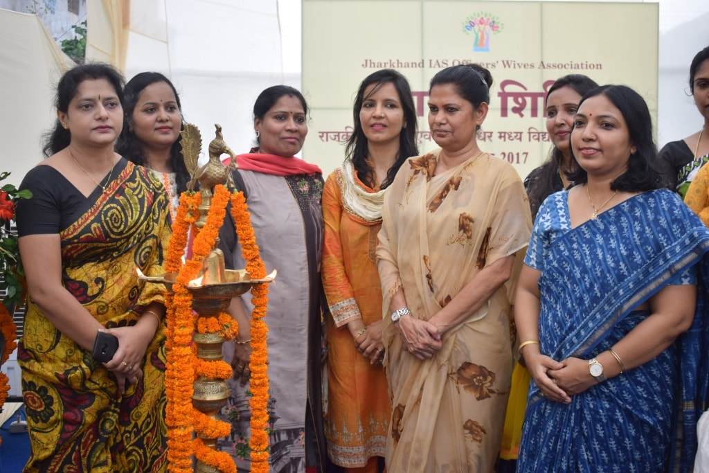 <p>Chief Secretary Rajbala Verma inaugurated health camp in State blind and deaf middle school located at Harmu, Ranchi on sunday.The health camp was organised by JIASOWA (Jharkhand…