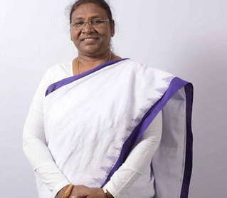 <p>Hon'ble Governor Draupadi Murmu congratulated Madhumita of Jharkhand for the silver medal in the 18th Asian Games held at Jarkata in the women's archery compound team event.…