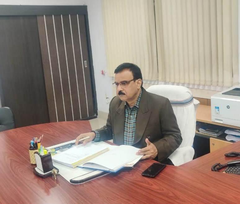 <p>मुख्यमंत्री सचिवालय के विशेष सचिव रमाकांत सिंह ने निदेशक सूचना एवं जनसंपर्क विभाग, झारखंड का प्रभार ग्रहण किया on dated 07/02/2020.</p>