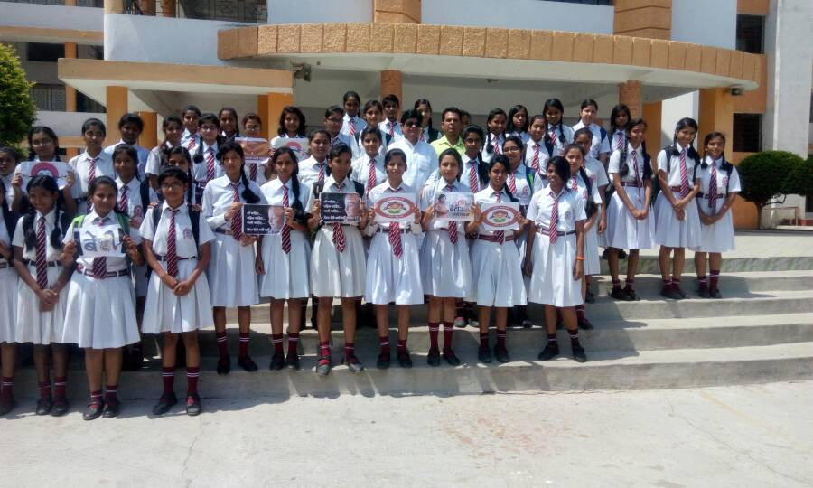 <p>Students under the banner of Akhil Bharatiya Vidayarthi Parishand staged a show for 'Beti Bachawo,Beti Padhawo (Save Girl,Educate Girl)at Cambrian Public School,Ranchi.</p>
