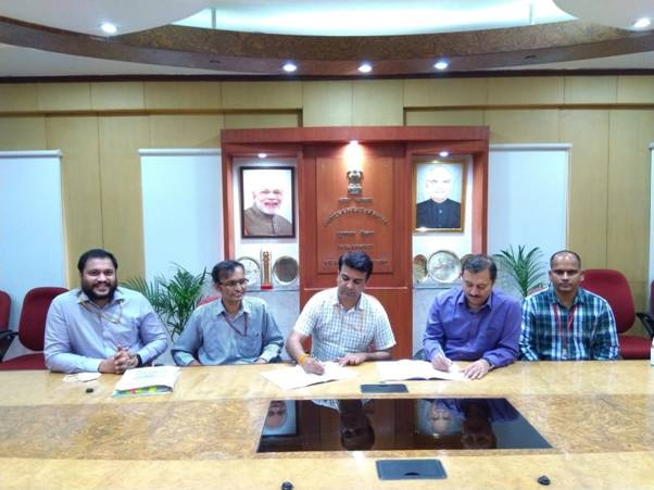 <p>Ministry of Communication Tweets: USOF signs agreement with BSNL for high-speed internet access to the North Eastern States.</p>