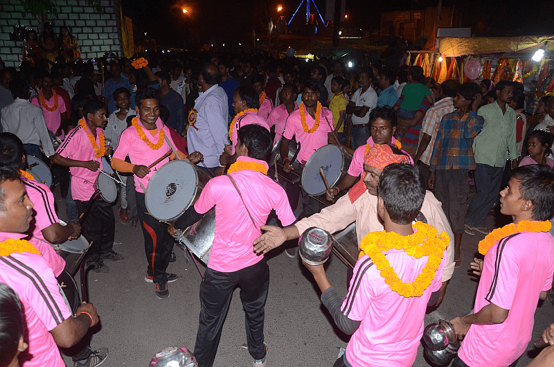 <p>By beating the drums,dancing and playing with traditional arms-lathis and swords-men move forward in the Main Road,city centre in Ranchi tomark the Ram Navami festival.</p>
