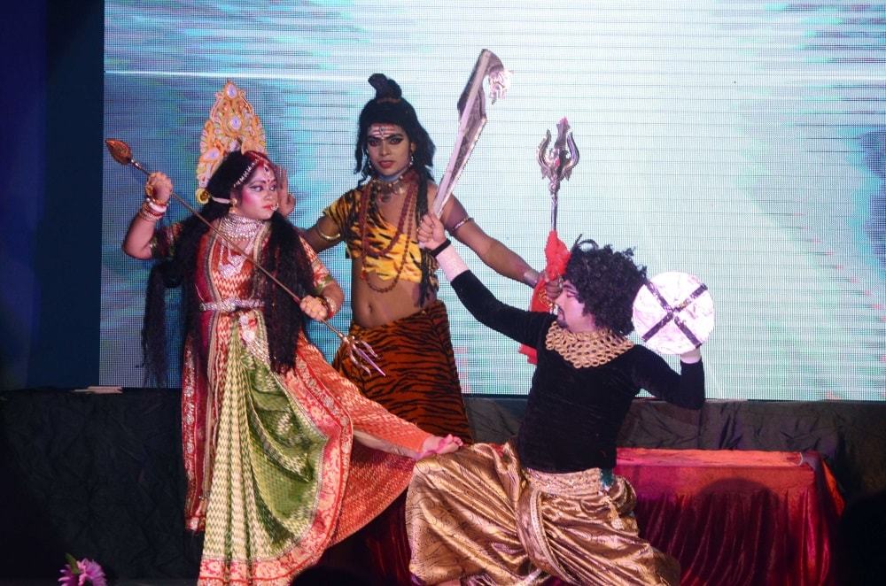 <p>Artists performs dance drama 'Mahalaya' ahead of Durga Puja celebrations at Durga Vati in Ranchi on Tuesday. </p>
