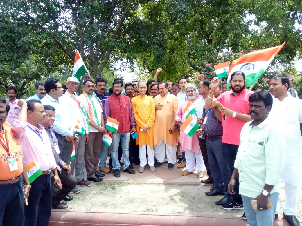 <p>Tiranga Samman Yatra launched by Indian Federation of Working Journalists was flagged off by Minister CP Singh,Principal Secretary to CM and Incharge of IPRD,Sanjay Kumar and IPRD…
