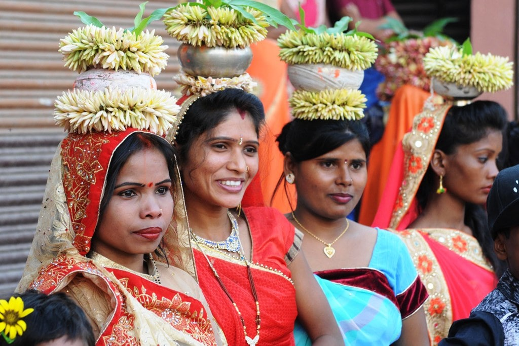<p>Devotees participates in Charak Puja at Manda festival in Ranchi on Saturday. </p>