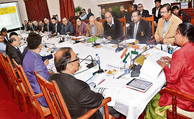 """<p>In a meeting held in side Rajbhawan,Governor Draupadi Murmu directed Vice Chancellors to keep the interest of students on top priority and do not keep it aside.""""Follow the…"""