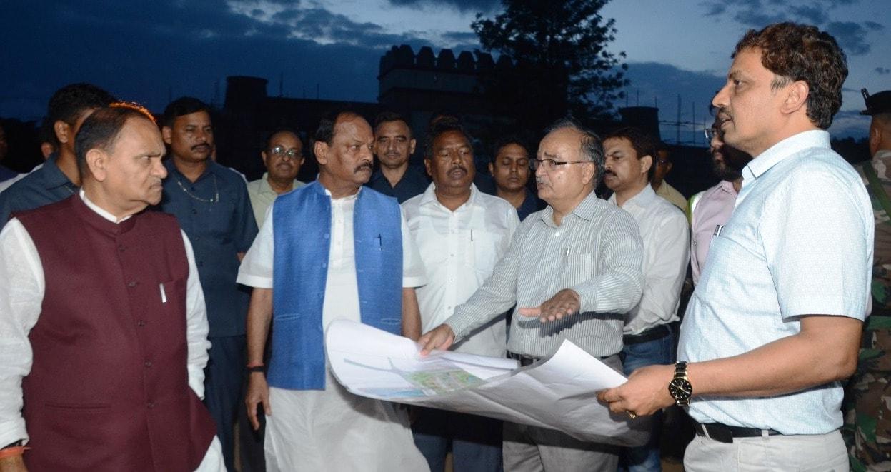 <p>मुख्यमंत्री रघुवर दास ने बिरसा मुण्डा स्मृति पार्क का निरीक्षण किया on dated 13/07/2018</p>