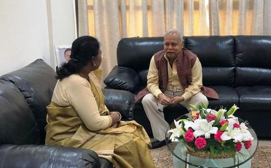 <p>माननीया राज्यपाल द्रौपदी मुर्मू ने भारत के लोकपाल न्यायमूर्ति रि० पी के मोहंती से झारखण्ड भवन में औपचारिक भेंट की on dated 26/08/2019.</p>