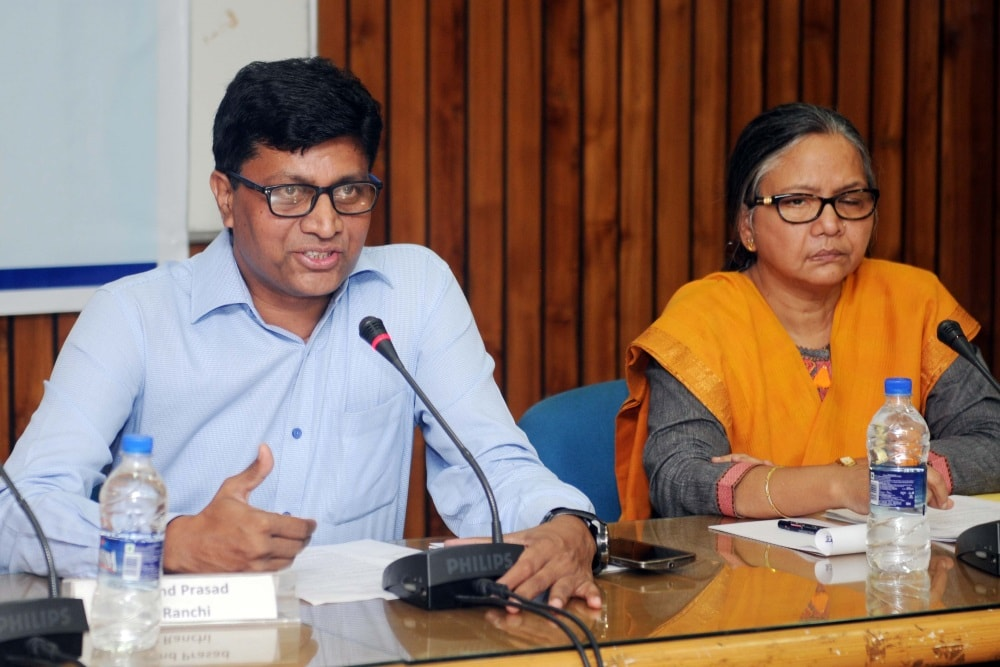 <p>GM BSNL  Arvind Prasad addresses a  press conference in Ranchi on Friday.</p>