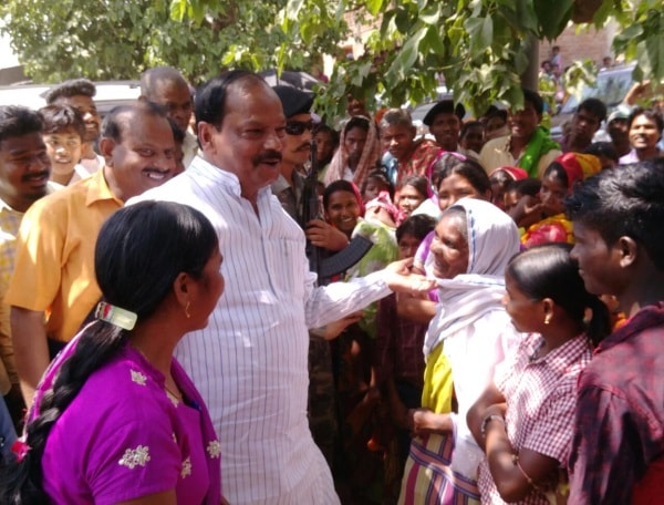 <p>The Assembly By Poll in Littipara has picked up momentum with Jharkhand Chief Minister Raghubar Das campaigning there for the ruling BJP candidate who is struggling to grab the…