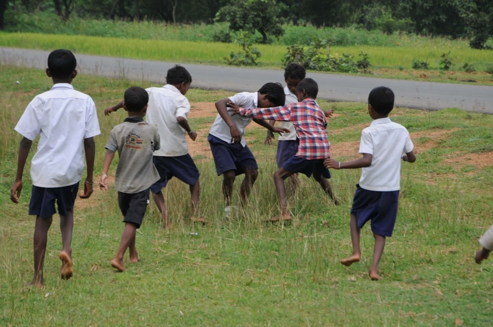 <p>School children playing during their Tiffin time outside their evolved primary school at Nala under Fatehpura of Jamtara district in Jharkhand </p>