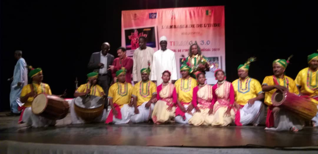 <p>आज दिनांक 02/02/19 को सेनेगल के राजधानी डकार, Africa में तिरंगा फ़ेसटिवल में कुन्जबन के कलाकारो ने मर्दानी झुमर, जनानी झुमर, झुमटा, डमक्च नृत्य से लोगों को झुमने पर विवश किया…