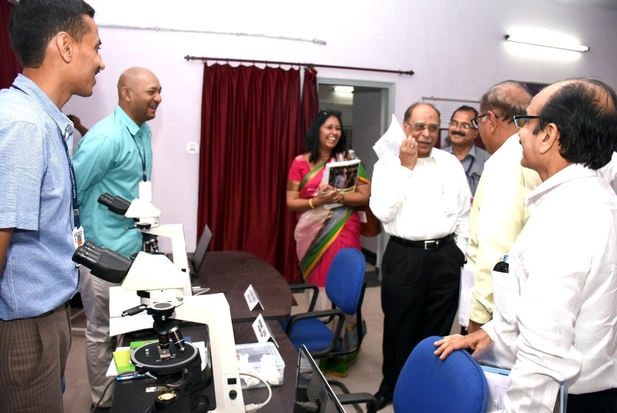 <p>National Assessment and Accreditation Council (NAAC) team officials inspecting Post Graduate departments of Ranchi University during their first day of 3 day Jharkhand visit in…
