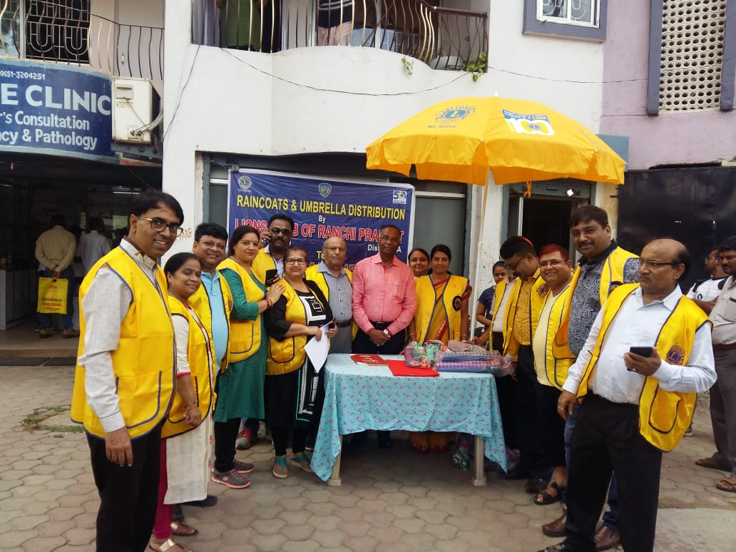 <p>In a unique campaign, the Lions Club of Ranchi today distributed free of cost umbrellas & raincoats among the poor labrourers. In all about 250 men & women were gifted with…