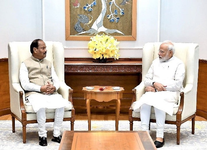<p>Jharkhand Chief Minister Raghubar Das met Prime Minister Narendra Modi and Home Minister Amit Shah in New Delhi and apprised them of 'development' taking shape in the state.…
