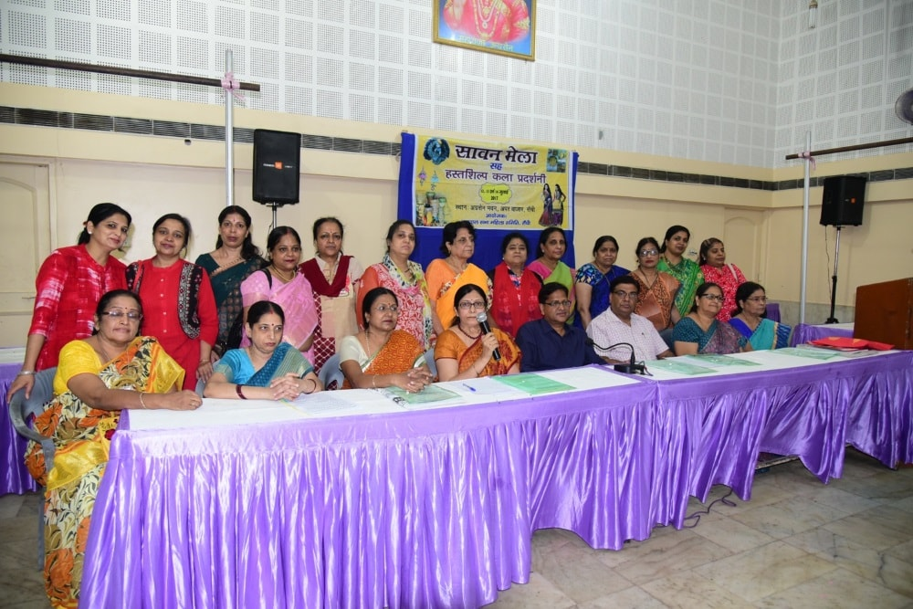 <p>Agrawal Sabha had organised Sawan Mela and its women members addressed media persons in Ranchi.</p>