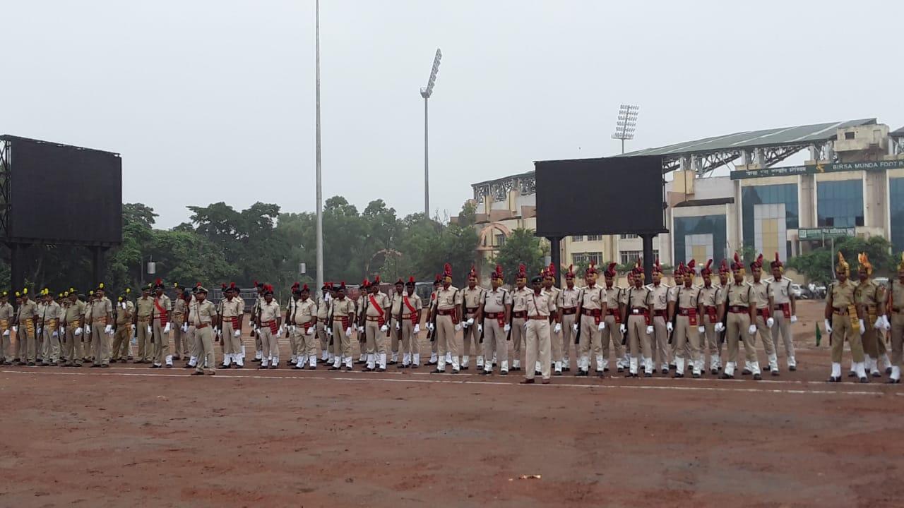 <p>स्वतंत्रता दिवस के पूर्व में मोराबादी मैदान स्थित 15 अगस्त की तैयारी का जायजा लेते हुए जिला उपायुक्त राय महिमा पत्र रे, वरीय पुलिस अधीक्षक अनीश गुप्ता ,नगर पुलिस अधीक्षक अमन कुमार,…