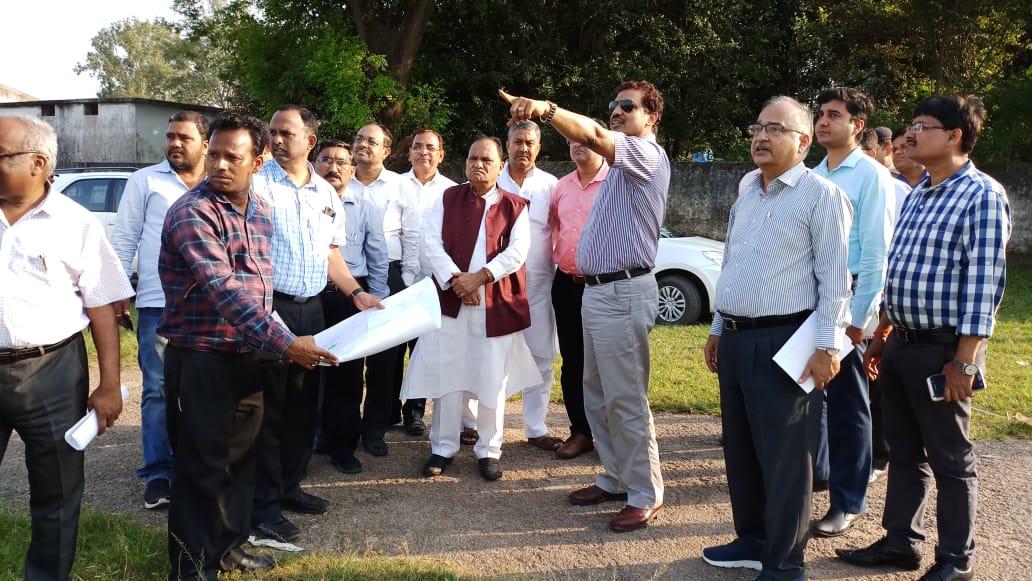 <p>नगर विकास मंत्री सी0पी0 सिंह ने आज राँची में अन्तर्राज्यीय बस टर्मिनल (आइएसबीटी) और ट्रांस्पोर्ट नगर का निर्माण के लिए स्थलों का निरीक्षण किया।</p>
