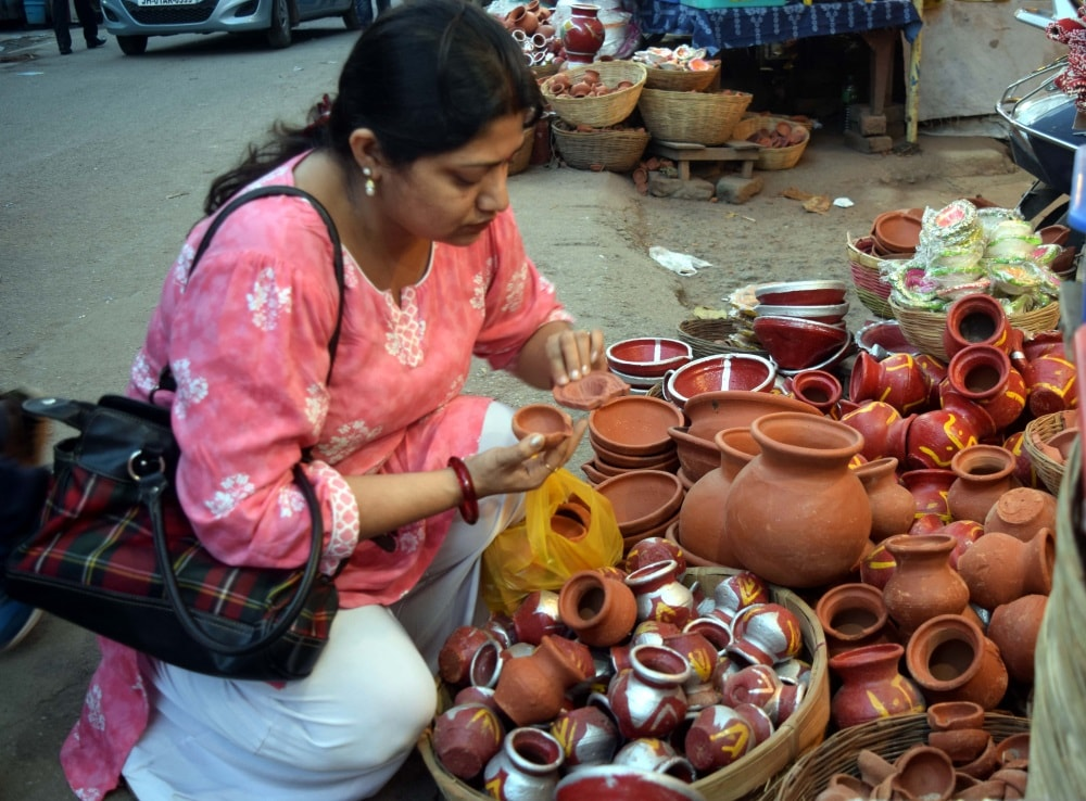 <p>Since festival of lights, Diwali is round the corner, People were seen purchasing Diyas made locally.</p>