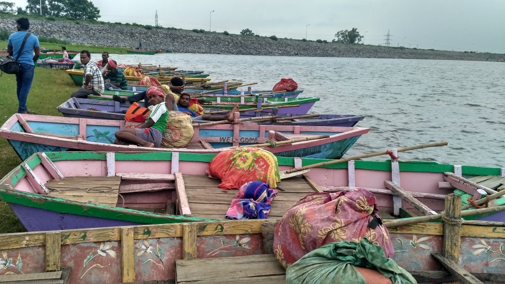 <p>With monsoon rains,water level of Patratu dam has gone up making visitors use boat to move around and enjoy beauty of Nature.</p>
