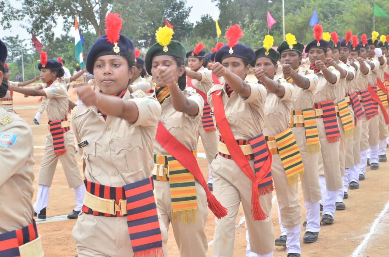 <p>Jawans during passing parade day function in Ranchi on Wednesday.</p>
