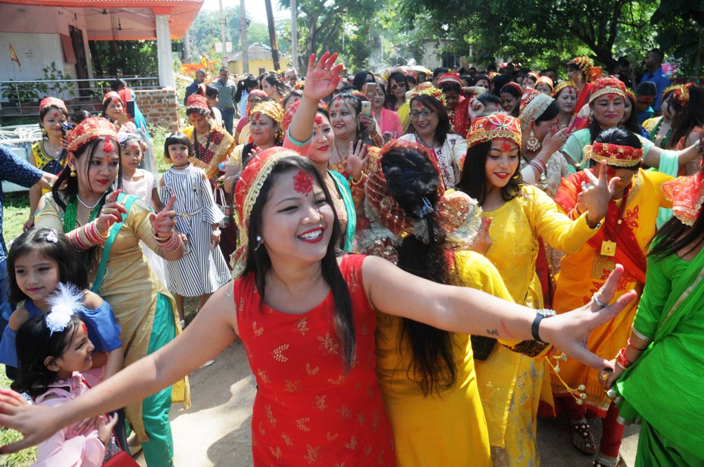 <p>Nepali women and girls dance as they celebrate Nav Patrika Pravesh (launch of the new calendar) on the seventh day of Navratri festival at Nepal House in Ranchi on Tuesday. </p>…