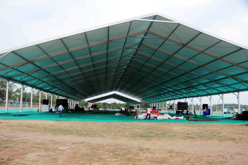 <p>A view of hug pandal for International Yoga Day at Prabhat Tara Ground in Ranchi on Wednesday.</p>