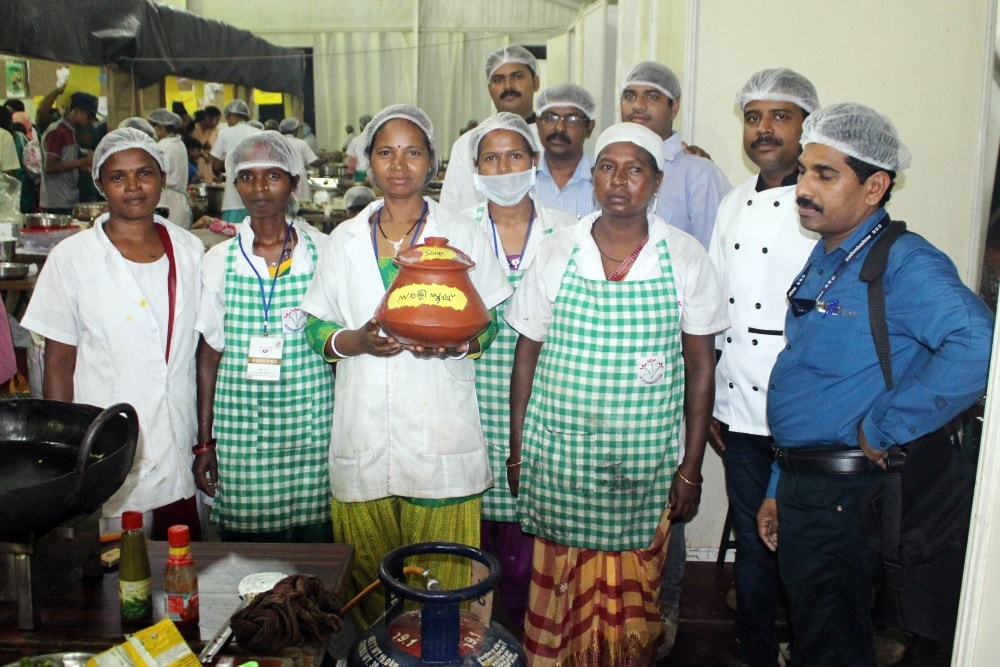 <p>Traditional Jharkhandi food was a major hit at the just concluded India Food Court festival held in Mallapuram district of Kerala.</p>