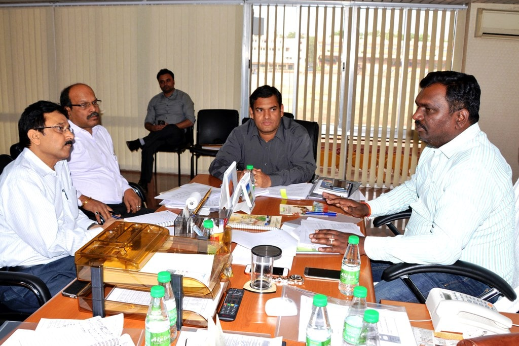 <p>Sports and Tourism Minister Amar Kumar Bauri along with Secretary Tourism Manish Ranjan and senior officers during a meeting at Birsa Munda football stadium in Ranchi on Thursday. </p>…