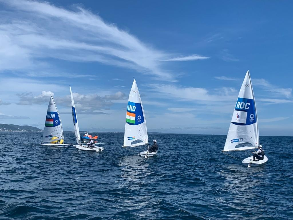 <p>Before Olympic Games begin, Indian sailor Vishnu Sarvanan in action during a training session in Tokyo.</p>