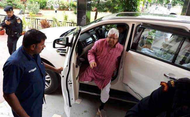 <p>Fodder scam :In two cases,accused Lalu Prasad Yadav's statements were recorded by the CBI Special Court where he is slated to appear tomorrow again</p>