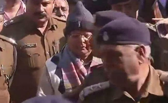 <p>Lalu Prasad Yadav comes out of court room.The court to announce his sentence on Thursday.Inside the court,he,who is convicted in fodder scam case and was in jail in Ranchi,told…