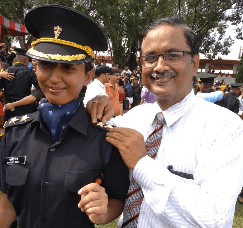 <p>S.Rani,daughter of Ranchi based PSU CCL officer AP Swarnkar,has joined the Electronics and Mechanical Engineering  Branch of the Indian Army.</p>