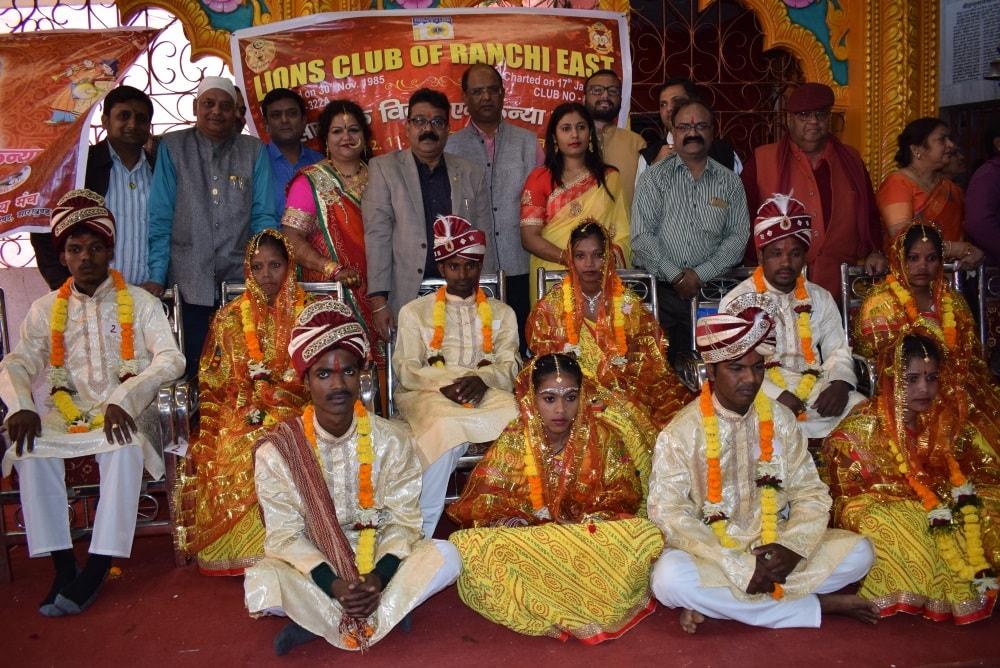 <p>Mass marriages were performed at Ram Mandir, Sarjana Chowk, Main Road, Ranchi.</p>