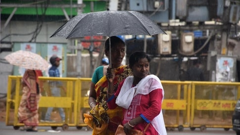 <p>Weather is turning from sunny days to cloudy and rainy days in most parts of Jharkhand. As a result,10 districts including Ranchi and Dhanbad can experience high-speed wind and…