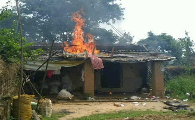 <p>Six houses set afire on the issue of 'sacrifice' connected with the Muslim festival Bakrid in Naitad village of Taratarn Panchayat in Giridih.Tension prevailed in the area…