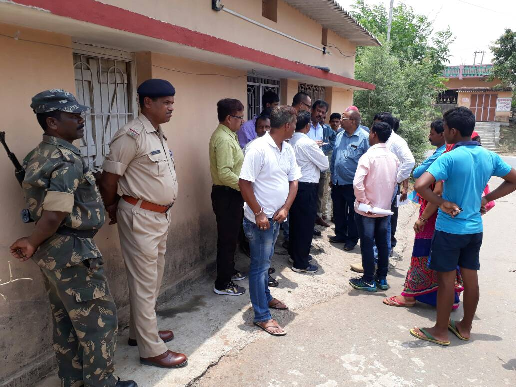 <p>Kaleshwar Mahto,a farmer.resident of Samalbeda village under Pithoria police station,committed suicide inside his house.In a suicide note left by him says that due to credit card,bank…