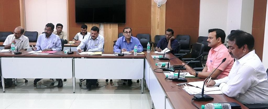 <p>सूचना एवं जनसंपर्क विभाग के सचिव डाॅ.सुनील कुमार वर्णवाल ने राज्य के सभी जिला जनसंपर्क पदाधिकारियों को निर्देश दिया कि वे केंद्र और राज्य की सभी योजनाओं और कार्यक्रमों को जनता तक…