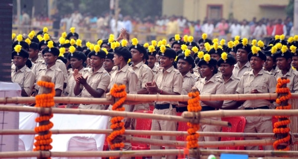 <p>Pahadiya Battalion set up by Jharkhand Police to deal with outlaws stand exhibiting sense of proud in Sahibgunj,Jharkhand.</p>