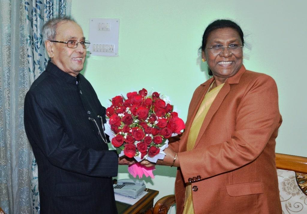<p>Hon'ble Governor Draupadi Murmu welcomed former President Pranab Mukherjee at the Raj Bhawan today here in Ranchi.</p>