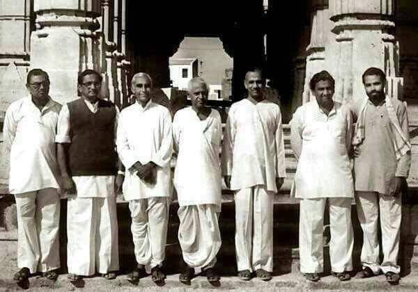 <p>PM Narendra Modi as a man from the street reaches to the top post by his deeds. This is a common picture of the RSS's campaigners, but in the corner, a person wearing…