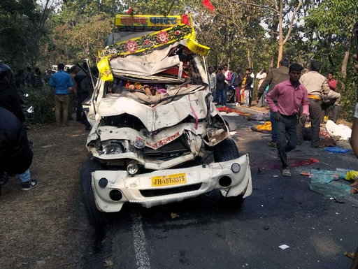 <p>In a tragic incident of a crash between a truck and jeep along Sarath-Deoghar road, five persons who were moving by Jeep died. All of them were taking dead bodies to perform last…